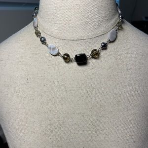 💛 Beautiful Beaded Faux Silver Necklace